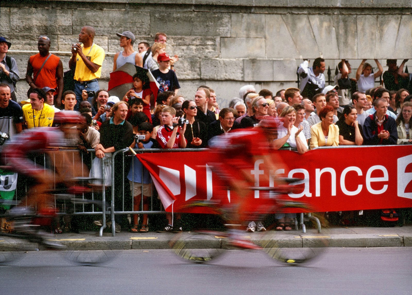 Inspiring Cycling Quotes to Motivate you to Ride - Foto of the Tour de France Cycling in Paris