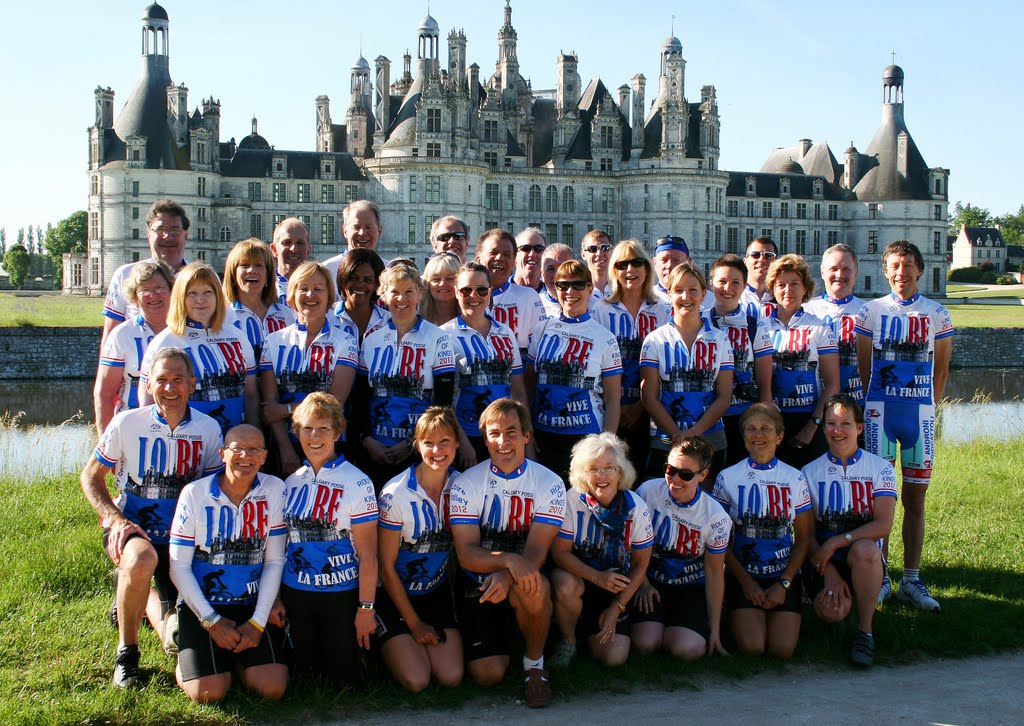 Custom group Cycling Tour France Loire Valley with Cycling Country Bike Tours
