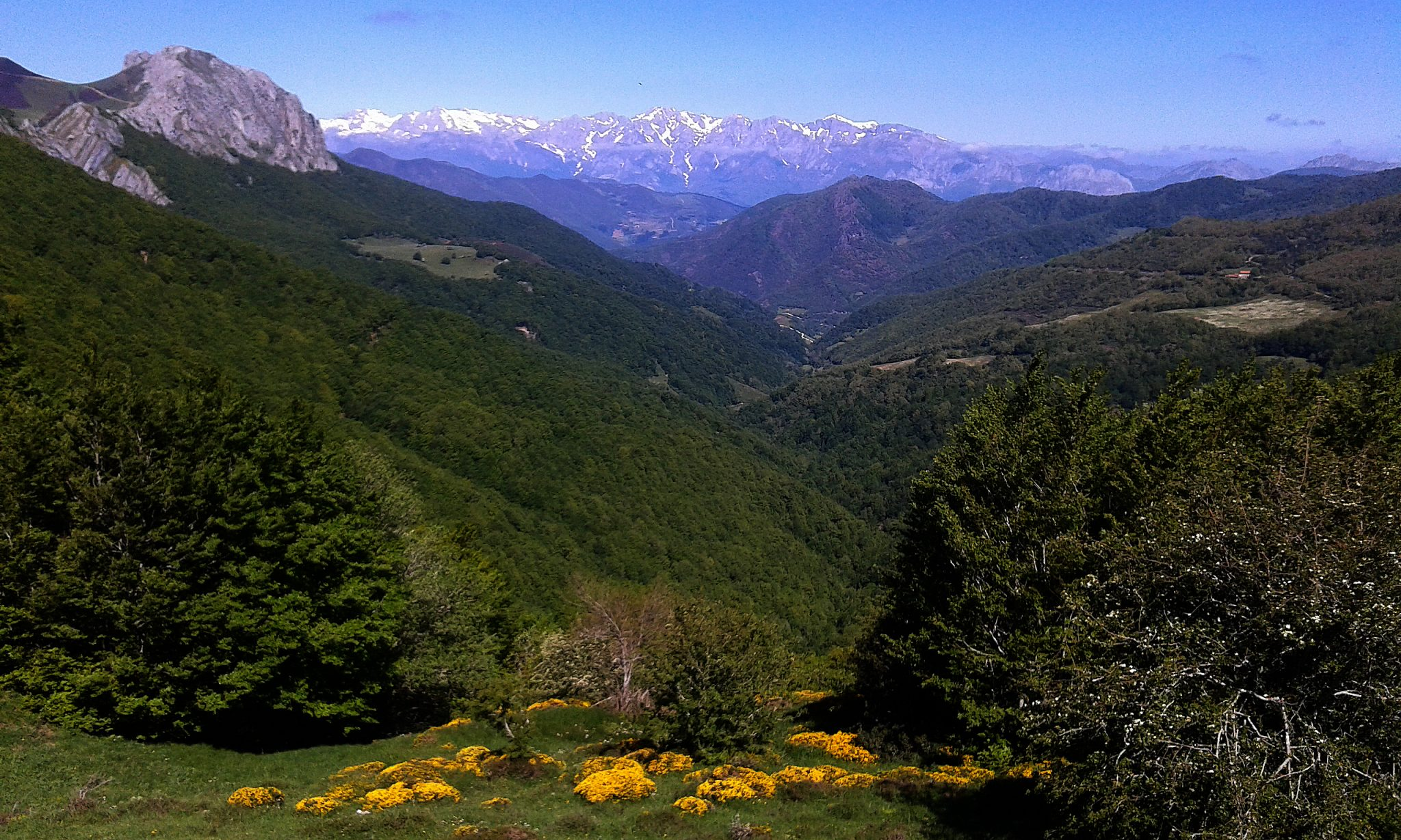 Road Bike Tour North Spain climbs the Best summits in Europe