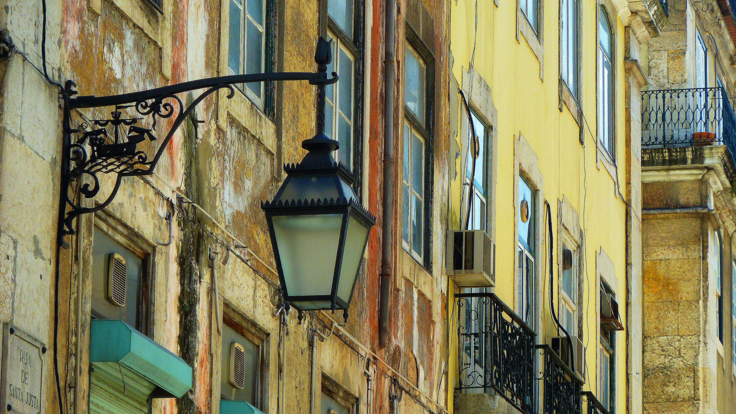 where to go in Lisbon, visit the Alfama