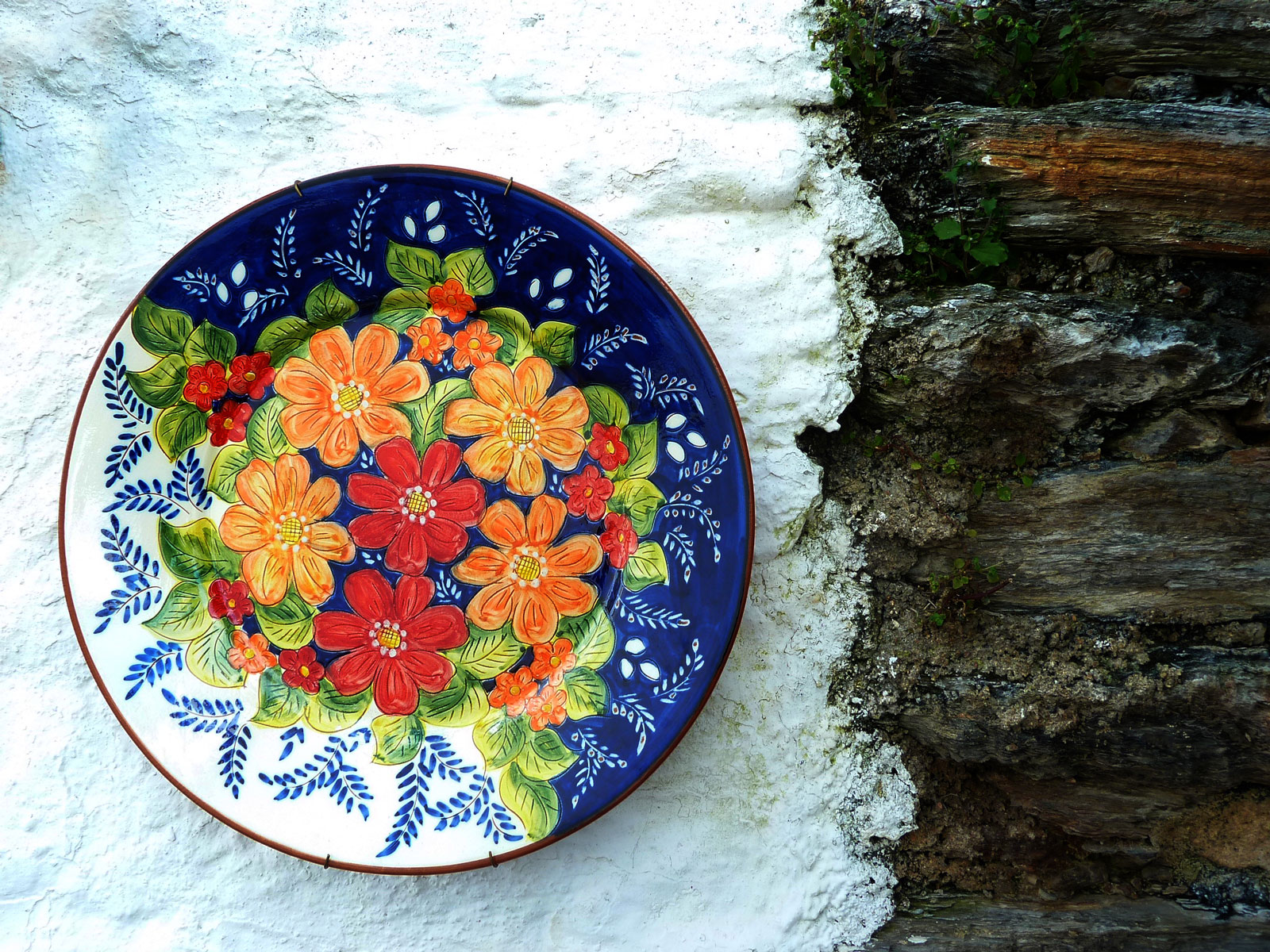 Best 5 Unique Souvenirs from Portugal - Buy Pottery