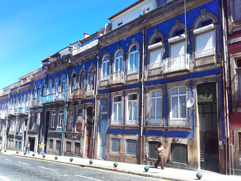 Porto's fun shabby chic homes and their facade tiles