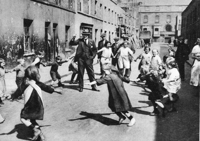 Children Playing in Cotton Street, Tower Hamlets, East End LondonPublic Domain