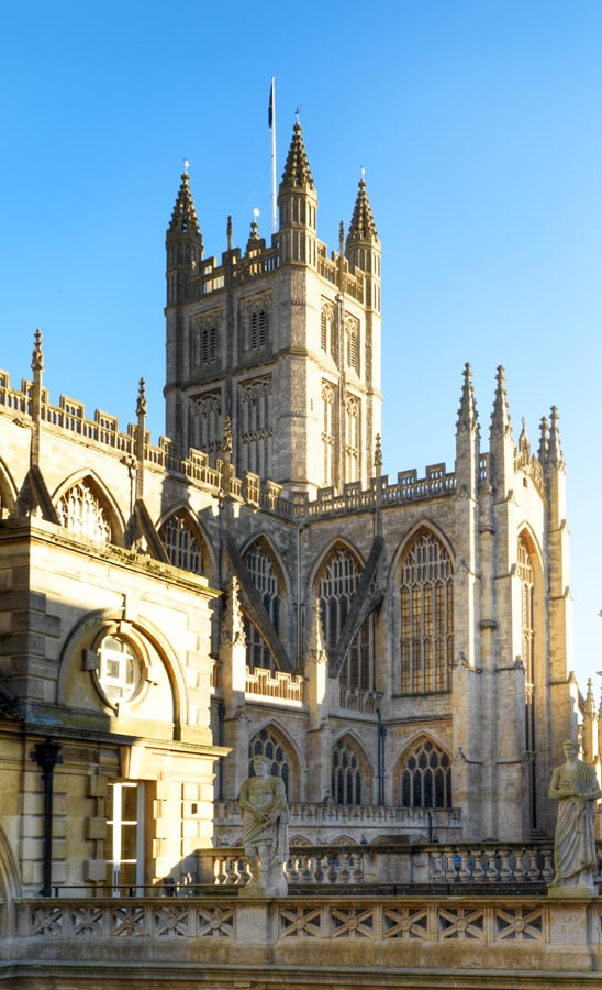 5 Reasons to visit Bath England - Gothic Medieval Cathedral - Bath Abbey