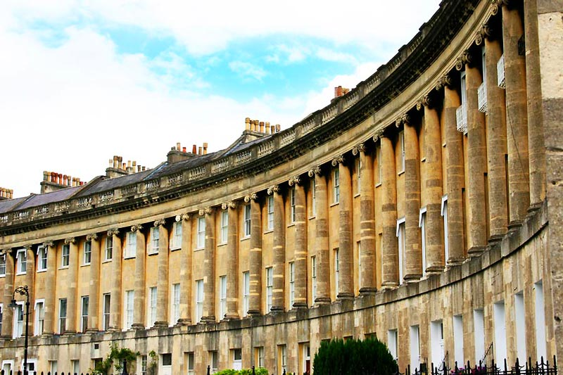 England's Famous City for Tourists, Bath - The Circus